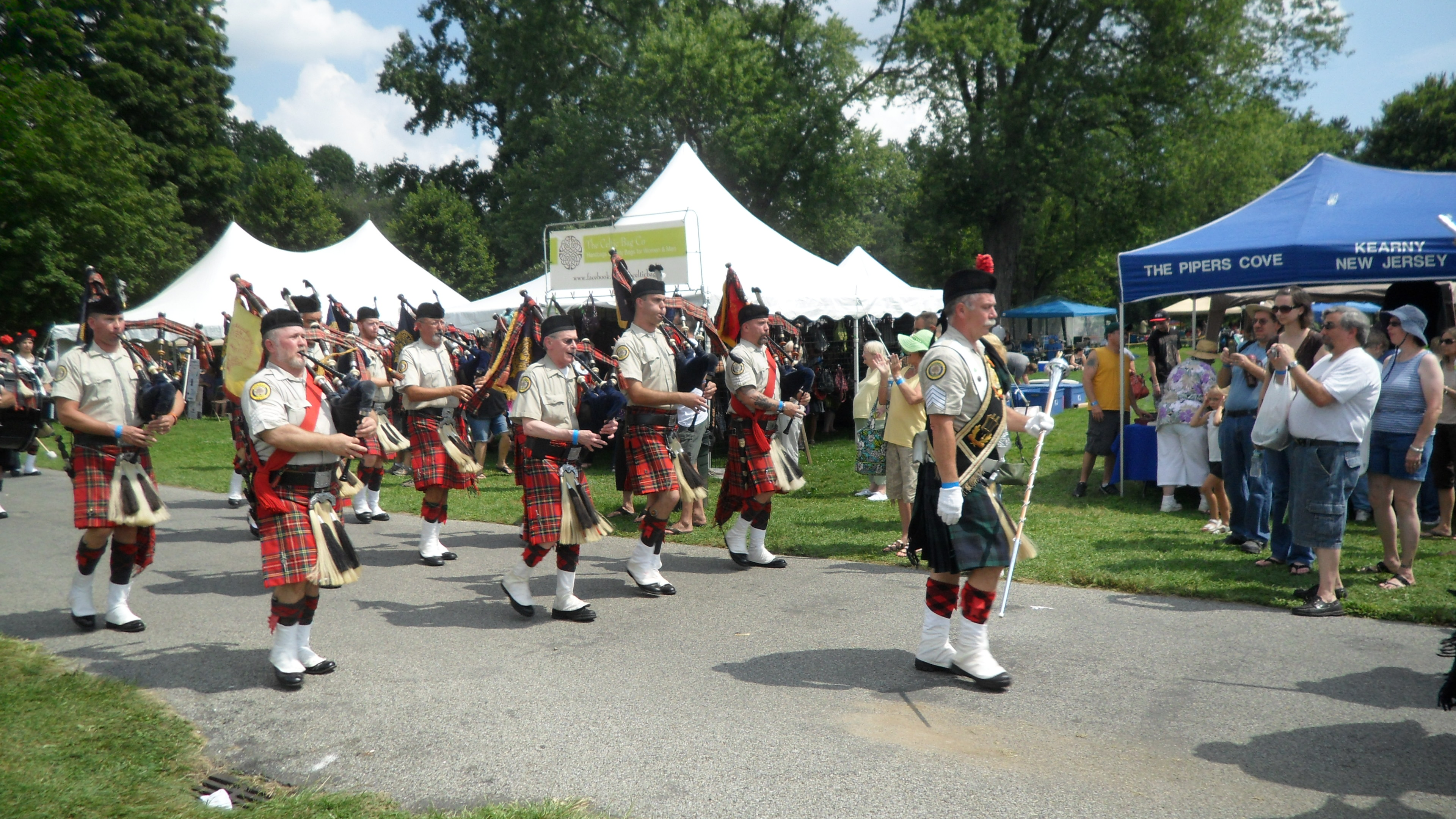 Amityville Highland Pipe Band